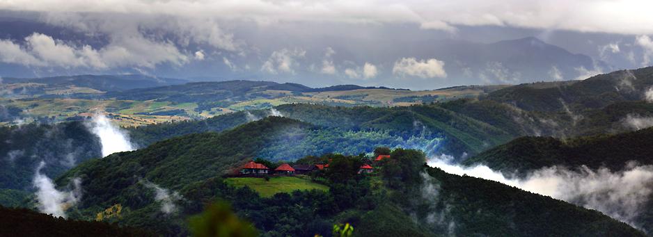 Satul Goleș privit de la pensiunea PANORAMA